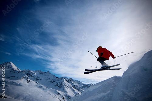 Cuadros en Lienzo Freeride skier jumping