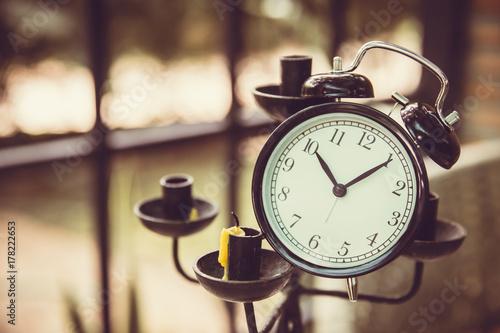 Zdjęcie XXL stary zegar sztuki dekoracji na świecznik ton kolor vintage