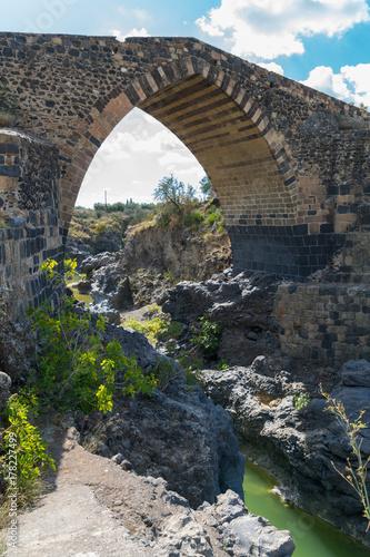 Αφίσα  Ponte di Saraceni, near Adrano, Sicily, Italy