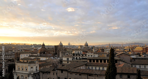 Photo Panoramic view of Rome at sunset, Italy