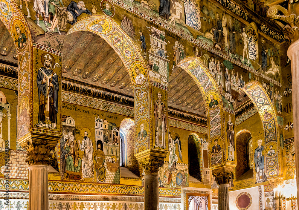 Fototapety, obrazy: Saracen arches and Byzantine mosaics within Palatine Chapel of the Royal Palace in Palermo, Sicily, Italy