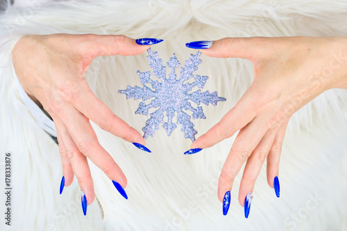 Photographie  Christmas blue nails