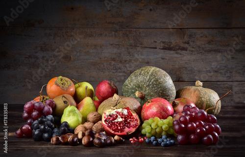 Zdjęcie XXL Kupie owoce