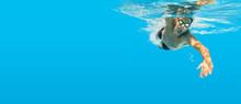 Schwimmen Unter Wasser Mann Bl...