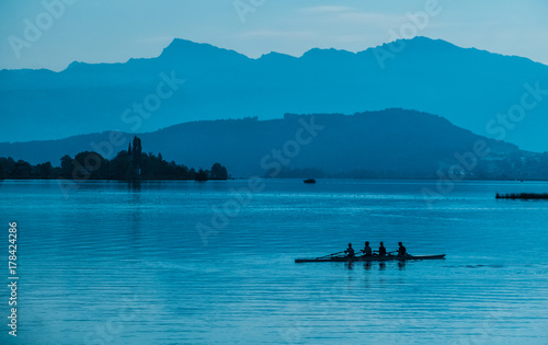 Fotografija  Kayakers on the shores of the upper lake Zurich (Obersee), near Rapperswil, Sank