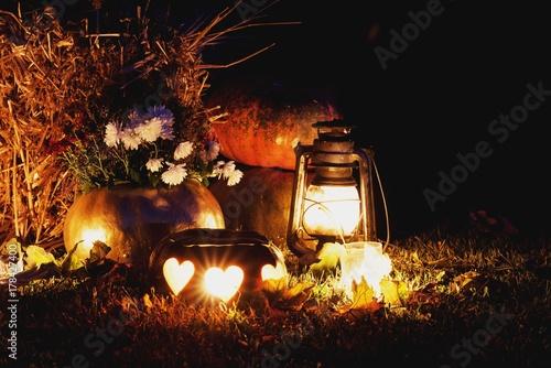 Plakat dynie halloweenowe ze świecą