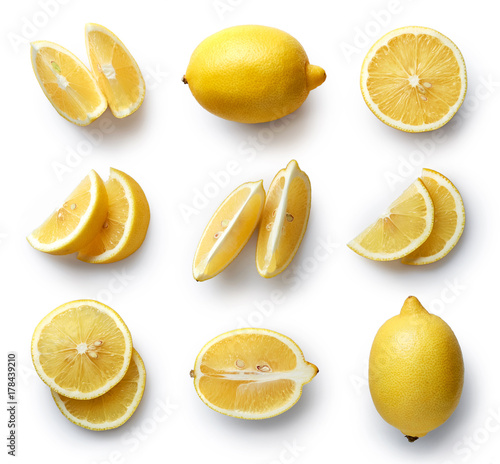 Papel de parede Fresh lemon isolated on white background