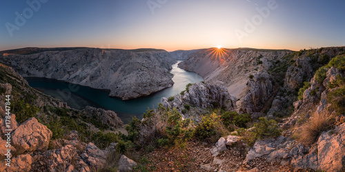 Fotobehang Canyon Zrmanja Canyon at sunset, Croatia