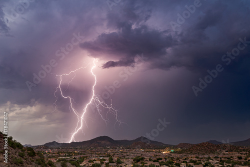 Lightning storm in the desert Canvas-taulu