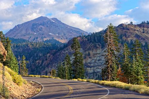 Photo  Lassen Volcanic National Park Highway