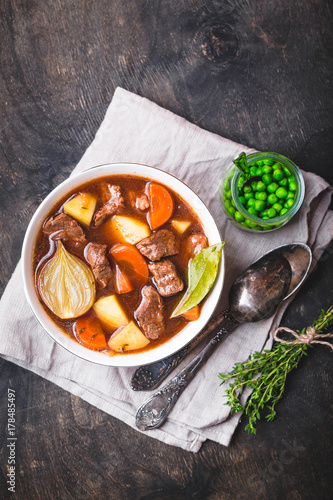 Meat stew with beef