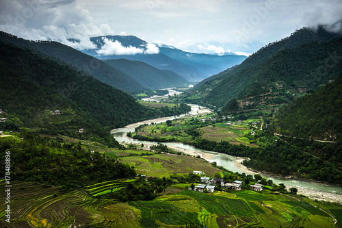 Valokuva  Bhutan Nature View overlooking River