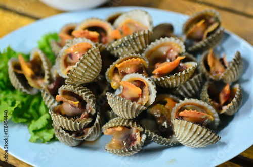Steamed blanched clams with dipping sauce Fototapet