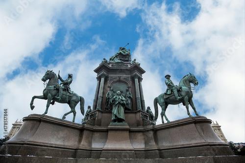 Obraz na dibondzie (fotoboard) Pomnik cesarzowej Marii Teresy w Wiedniu, Austria