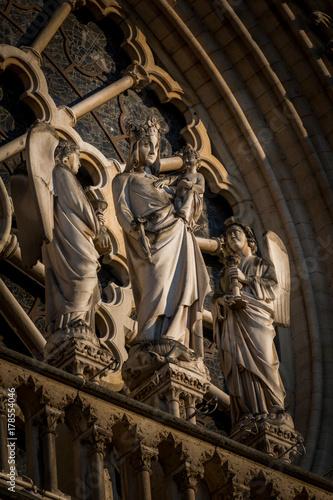 Zdjęcie XXL Notre-Dame de Paris, średniowieczna katolicka katedra na Ile de la Cite w czwartej dzielnicy Paryża we Francji.