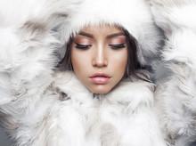 Beautiful Woman In White Fur C...