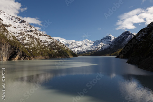 Fotomural beautiful view of the mountain peak with snow