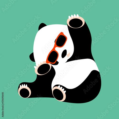 twarz-panda-w-okularach-wektor-ilustracja