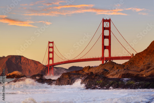 Photo sur Toile San Francisco Golden Gate bridge in San Francisco, USA