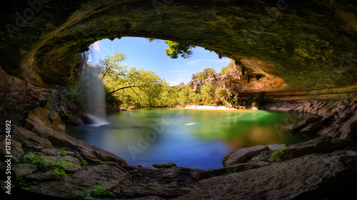 Montage in der Fensternische Texas Hamilton Pool, Austin, Texas