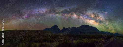 Foto op Plexiglas Nachtblauw Panoramic Milky way, Big Bend National Park