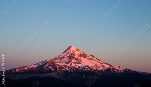 Photo Dusk Alpenglow from Lost Lake Butte of Mt. Hood