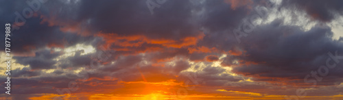fiery-sunset-colorful-clouds-in-the-sky