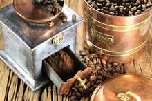 Vintage Coffee Grinder With Ma...