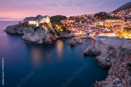 Foto  Festung Lovrijenac in Dubrovnik nach Sonnenuntergang