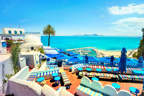 Spoed Foto op Canvas Afrika Top view of seaside and terrace of cafe in Sidi Bou Said. Tunisia, North Africa