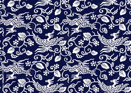 tradycyjny-japonski-motyw-z-ptakami-i-winoroslami-bialy-na-granatowym-tle
