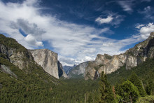 Tunnel View And Yosemite Valle...