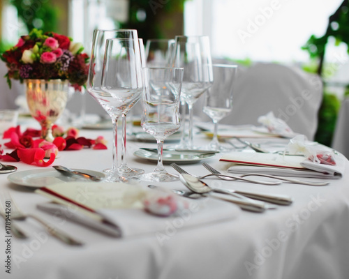 Romantische Tischdeko Buy This Stock Photo And Explore Similar
