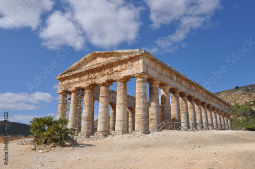 Wall Murals Place of worship Doric temple in Segesta