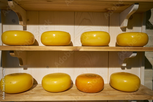 Photo  cheese in a store at Amsterdam, Netherlands