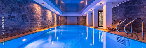 Obraz Swimming pool with brick wall - fototapety do salonu