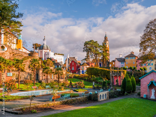 Foto  View of the Central Piazza at Portmeirion