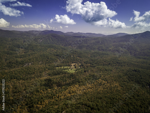 Fotografia  fall season, Autumn comes, Smoky Mountains National Park near Asheville, colorfu