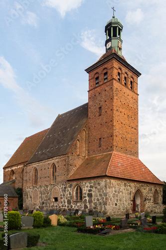 Kirche in Reinkenhagen Billede på lærred