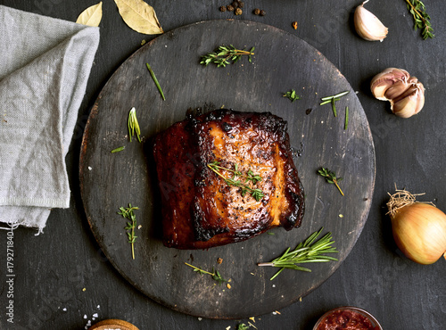 In de dag Grill / Barbecue Roasted pork on wooden board