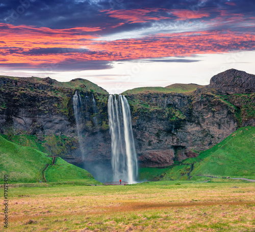 Photo sur Toile Vert Fantastic morning view of Seljalandfoss Waterfall on Seljalandsa river