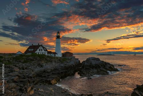 Zdjęcie XXL Portlandzka latarnia morska przy wschodem słońca, przylądek Elizabeth, Maine, usa.