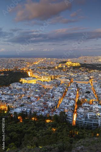 Zdjęcie XXL Widok akropol i miasto Ateny od Lycabettus wzgórza przy wschodem słońca, Grecja.
