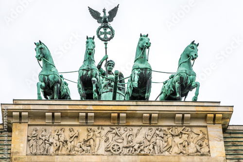 Photo  Quadriga mit Viktoria auf Brandenburger Tor in Berlin