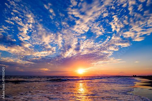 Deurstickers Zee zonsondergang うろこ雲の湘南と富士山