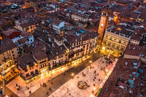 Fotografie, Obraz  Piazza delle Erbe, Verona
