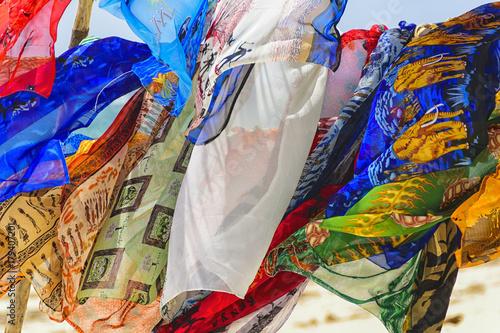 Foto op Aluminium Paradijsvogel bloem Multicolored African Textiles