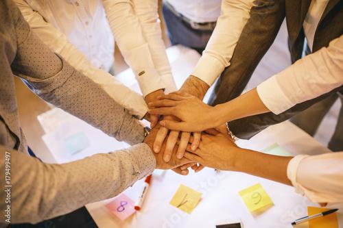 Obraz na dibondzie (fotoboard) Praca zespołowa po spotkaniu