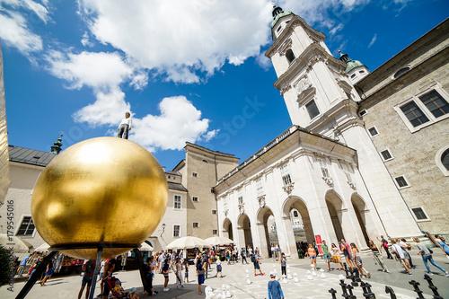 Fototapeta premium Złota piłka Salzburg Mozart