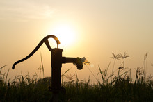 The Silhouette Water Pump On T...